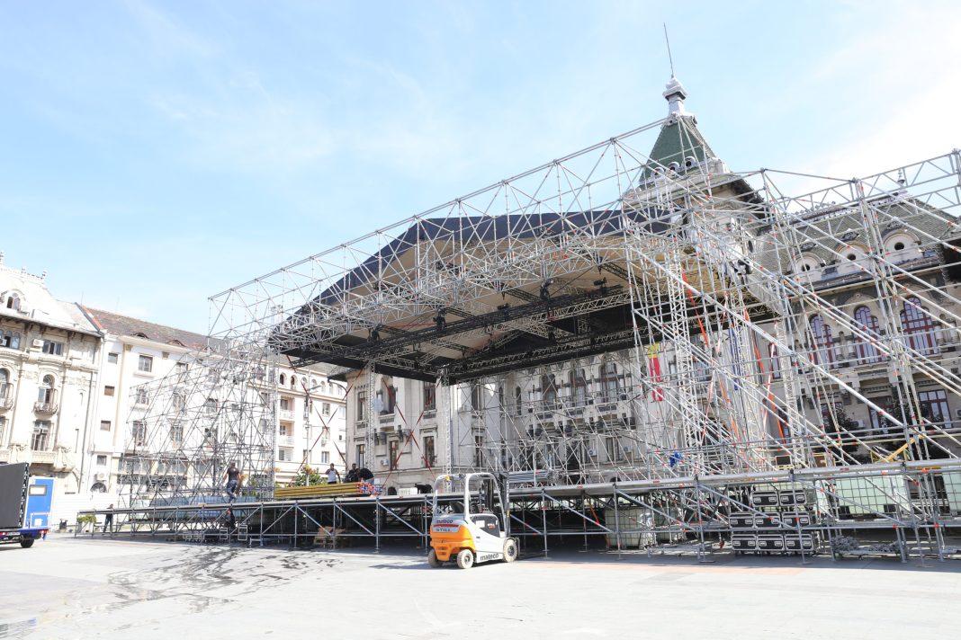 """Pentru montarea scenei din Piaţa """"Mihai Viteazu"""", la pachet cu toate efectele speciale, decorurile şi producţia video pentru The Artist Awards, Opera Română Craiova va plăti circa 179.000 de euro"""