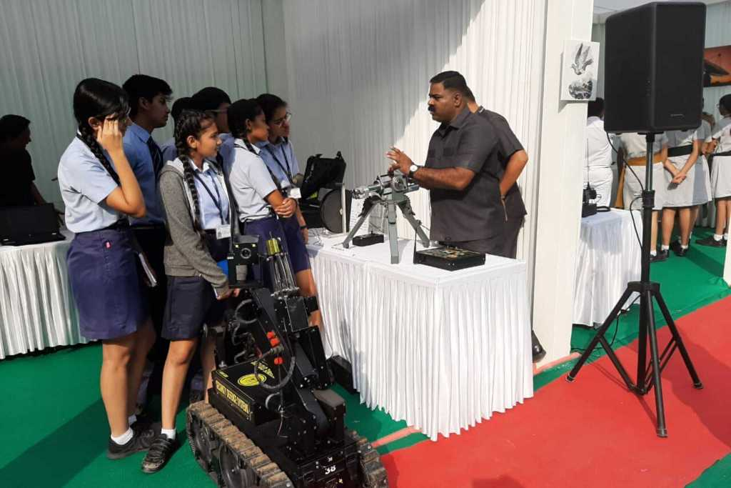 Students witnessed the exhibition on arms and ammunition held at Maharashtra Police Headquarters, Mumbai