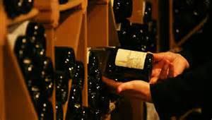 Le vin est-il vendu trop cher au restaurant