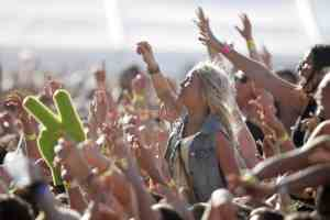 Ultimate Music Festival Checklist for girls