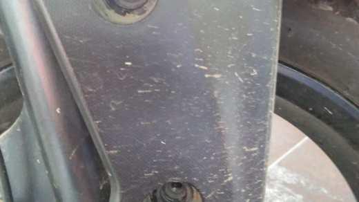 Baut spakbor depan aerox lepas