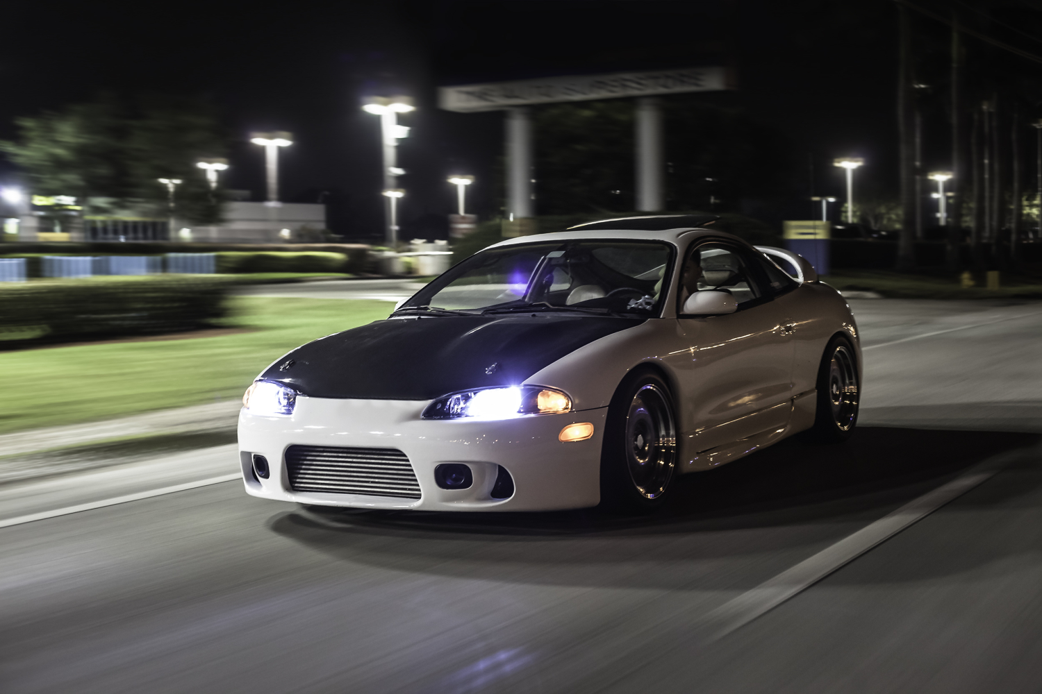 600awhp on a stock, 2.0L bottom end. That's the power of tuning. | image: Christian Saldana, lowerklasse.com