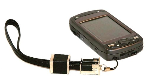 geardiary_wirelessground_usb_handstrap_02