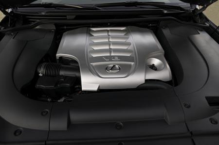 First Drive: Lexus LX 570  First Drive: Lexus LX 570