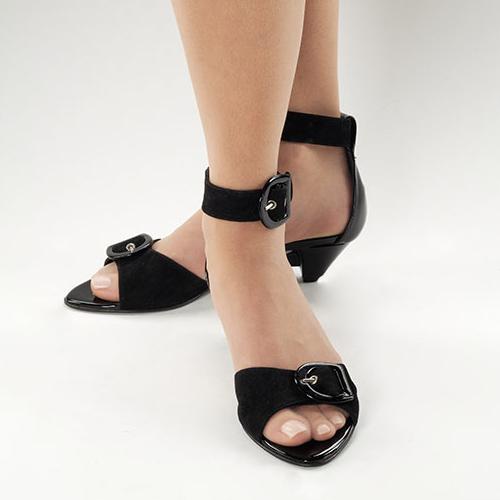 CAMiLEON Heels: Exercising a Woman's Perogative to Change Her Mind  CAMiLEON Heels: Exercising a Woman's Perogative to Change Her Mind  CAMiLEON Heels: Exercising a Woman's Perogative to Change Her Mind