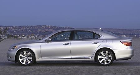 Lexus LS 600h L – Luxury hybrid or hybrid luxury?