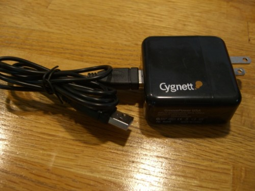 Review- Cygnett's GroovePowerPack and GrooveSafari: Complete Accessory Pack for iPod