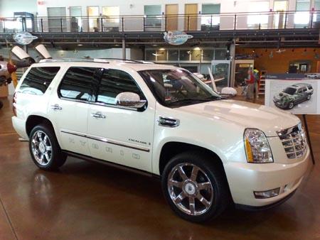 First Drive: 2009 Cadillac Escalade Hybrid