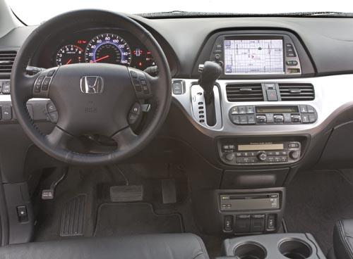 2010 Honda Odyssey minivan  2010 Honda Odyssey minivan  2010 Honda Odyssey minivan