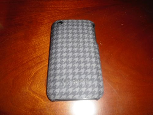 Speck Fitted Case for iPhone Review: Explodes with Choices