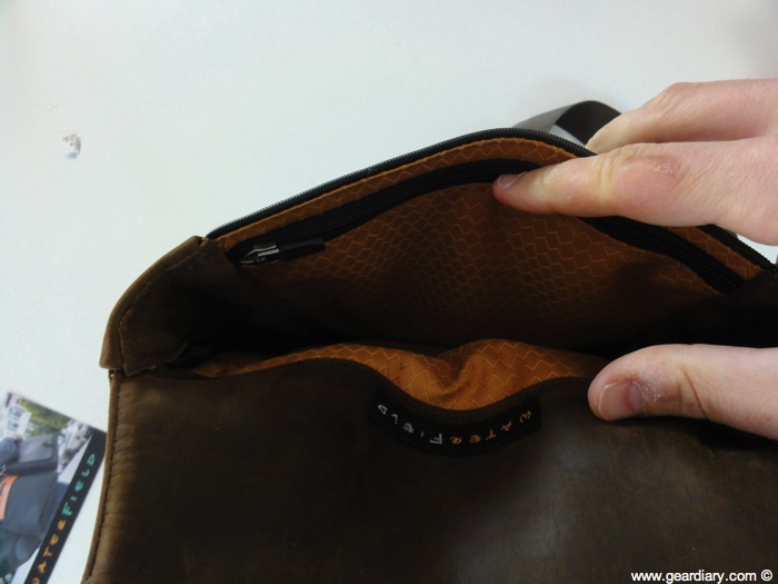 Waterfield Muzetto Portable - Review (Conclusion- Perfect For Carrying An iPad)