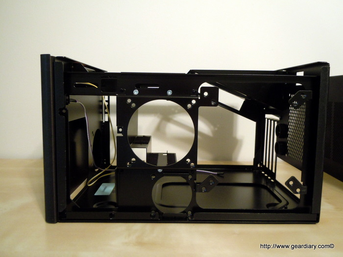 "Lan Gear's SFF ""Da Box 100 Blackheart"" Gaming Case Review: Little Package with a Big Heart"