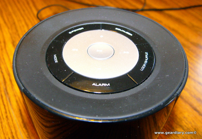 Review: Aluratek Bump AMS01F MP3/FM Radio Boombox  Review: Aluratek Bump AMS01F MP3/FM Radio Boombox  Review: Aluratek Bump AMS01F MP3/FM Radio Boombox  Review: Aluratek Bump AMS01F MP3/FM Radio Boombox