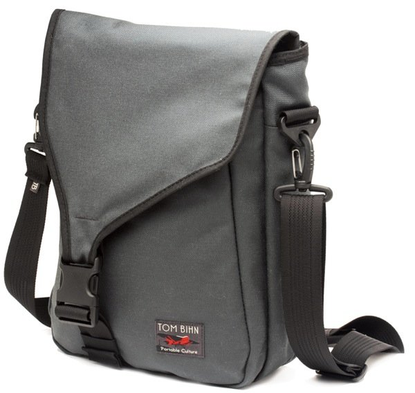 "TOM BIHN Introduces Ristretto Vertical Messenger Bag for 11"" Apple MacBook Air"