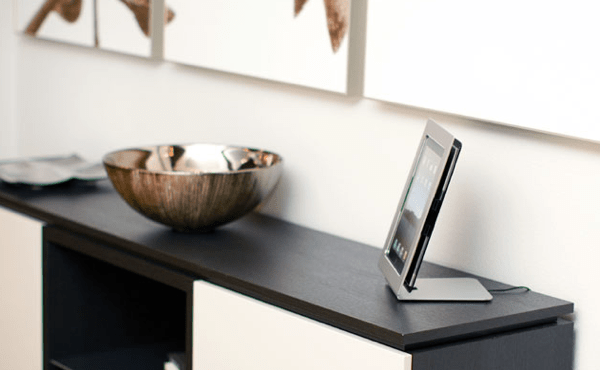iPad Accessory Review: miFrame Photo Frame Dock for iPad