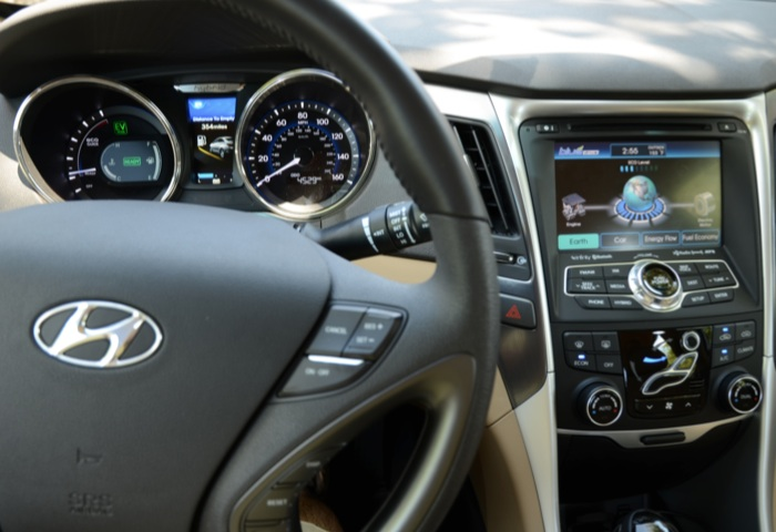 Stylish New Hyundai Sonata Hybrid Lacks Finesse, but So Did All the Others At First