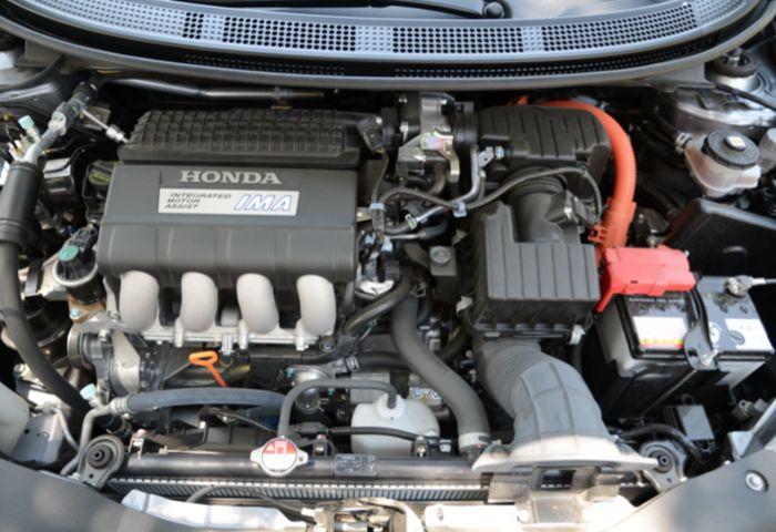 2011 Honda CR-Z Compact Sport Coupe Hybrid a Bit of a Surprise