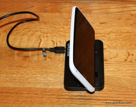 GearDiary Seidio Desktop Charging Cradle/Dock for EVO 4G LTE, HTC One S and X Review