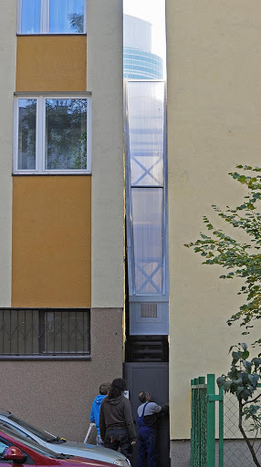 Warsaw 'Alley-House' Takes Minimal Living to a New (lack of) Dimension!