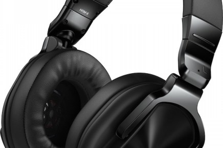 Pioneer announces HRM-5 and HRM-6 studio headphones