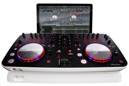 Serato DJ Intro software also with Pioneer DDJ-Ergo-V Controller