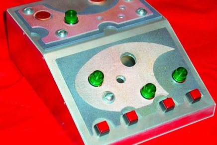 Lunar Module – a light Theremin midi controller