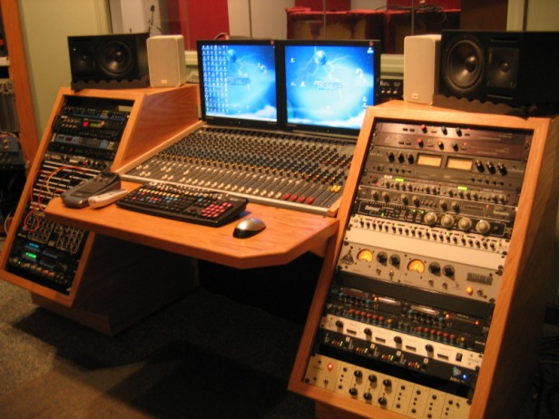 Budget studio furniture  Gearslutzcom