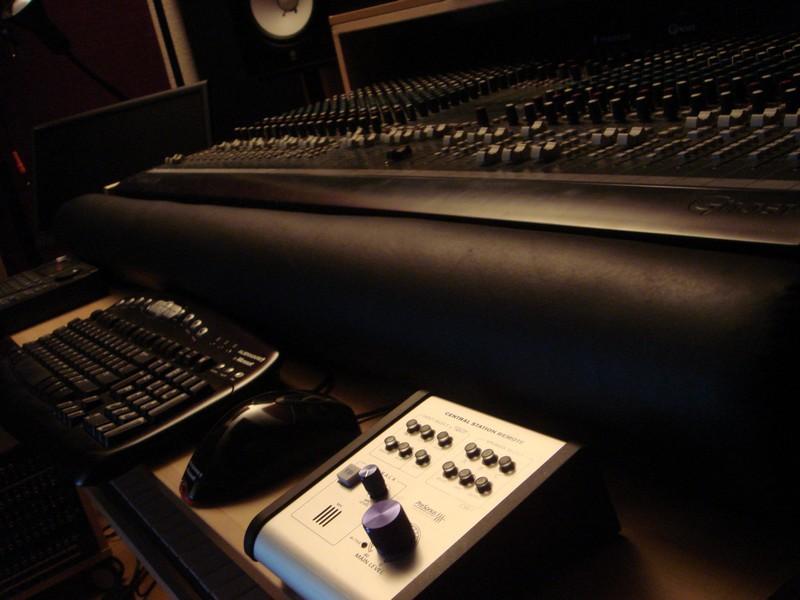 Ikea Hack Desk Rack  Arm Rest  Gearslutz Pro Audio
