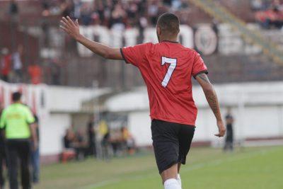 Felipe Garcia fechou o placar, e marcou o sétimo gol no nacional. Foto: Carlos Insaurriaga