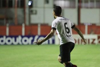 Marlon marcou o gol Xavante no OBA, ainda no primeiro tempo do jogo. Foto: Carlos Insaurriaga