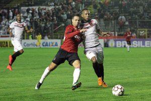 Rafinha marcou o segundo gol Xavante. Foto: Carlos Insaurriaga