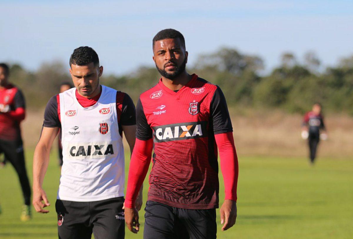 Brasil-Pel fecha contratação do zagueiro Nirley