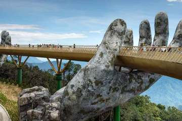 Da Nang Vietam Golden Hand Bridge