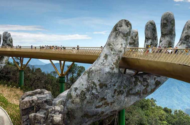 Da Nang Vietam Golden Hand Bridge