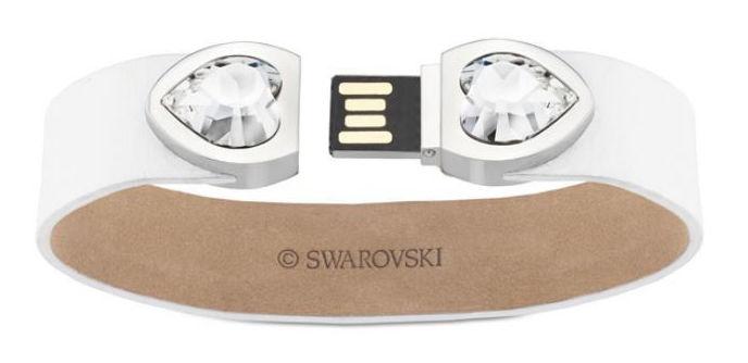 Un altro bijoux geek chic: Braccialetto USB 8 GB con Swarovski