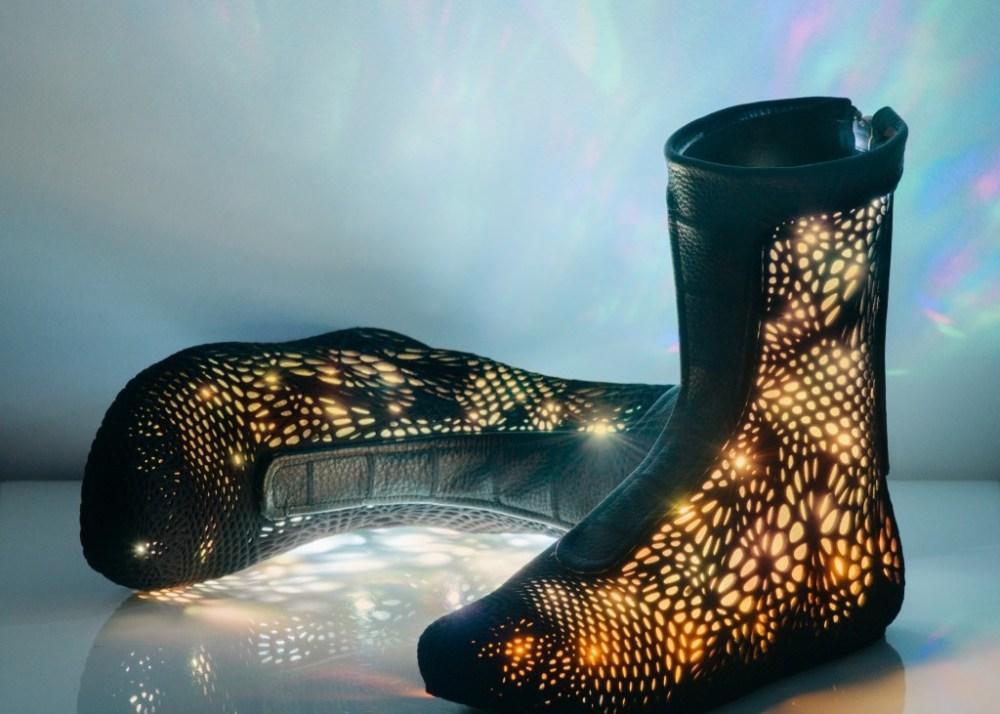 Adaptiv, le scarpe smart che si adattano ai tuoi piedi, presentate al FAST A/W 2015, il 14 febbraio scorso