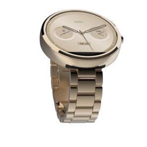Moto 360 è bello come un orologio classico e ricco di funzioni come tutti gli smartwatch con Android Wear