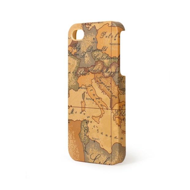 Con la classica mappa dell'Italia dall'aria vintage. Per viaggiatori incalliti con iPhone 4 o 5 al seguito (Alviero Martini, 40 euro)
