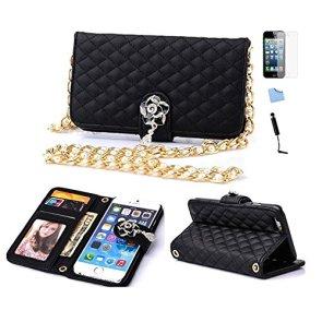 Imita la borsetta Chanel 2.55 la cover a portafoglio in similpelle trapuntata, tracollina e bottone gioiello (Amazon, 11,99 euro)