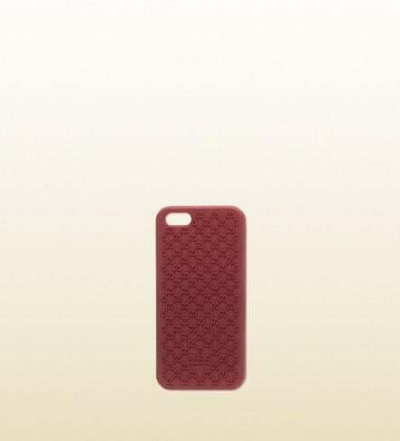 In bioplastica, con il monogramma in rilievo. Per iPhone 5 (Gucci, 70 euro)