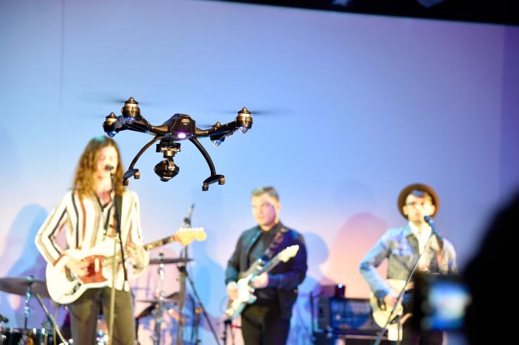 Drone sfilata Rebecca Minkoff Primavera/Estate 2016