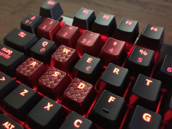 13-hyperx-teclado-alloy-fps
