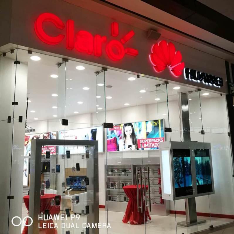 Huawei y Claro tienda