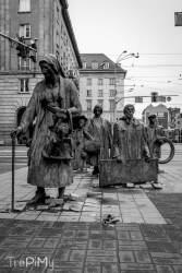 Wrocław - Pomnik Anonimowego Przechodnia