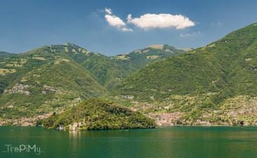 Villa Balbianello widziana z drugiej strony jeziora Como