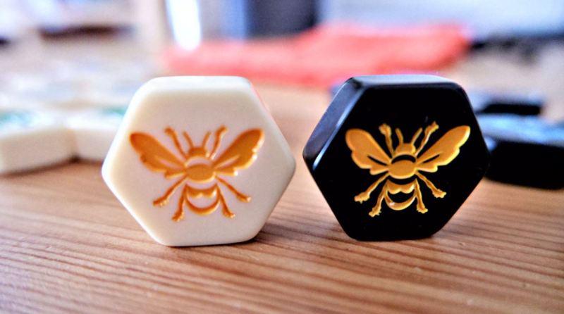 HIVE bordspel review Geekish Bijenkoningin