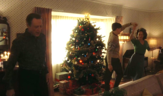 catch-me-if-you-can-christopher-walken-leonardo-dicaprio-dance-christmas-tree