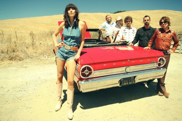 Nicki-Bluhm-and-The-Gramblers-Van-Session-Geekorner-21