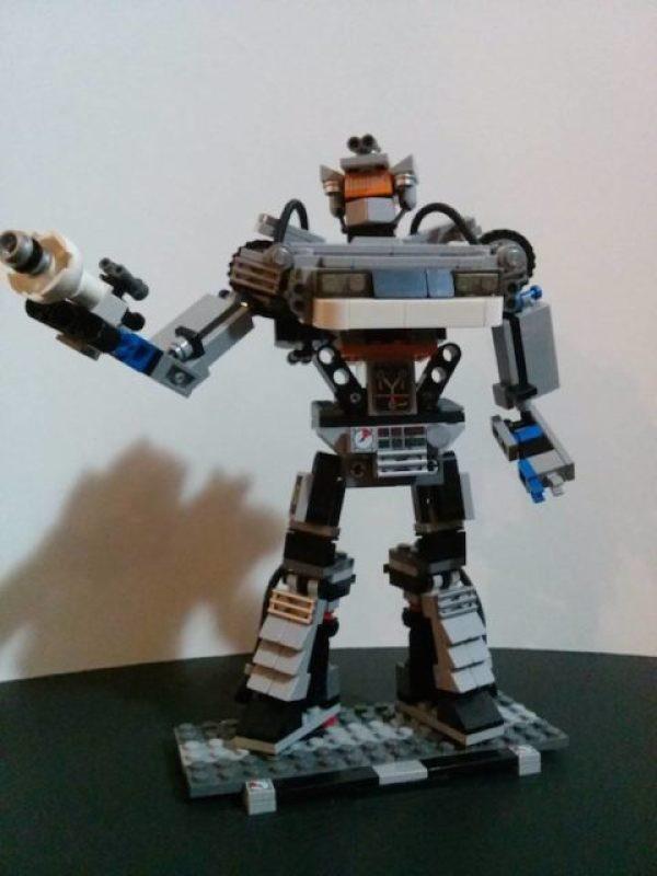delorean lego robot (2)