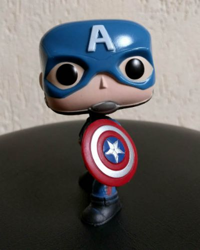 unboxing-civil-war-marvel-collector-funko-pop (13)